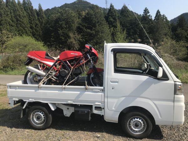 DUCATI900SS 1989年式 赤 軽トラックに積載