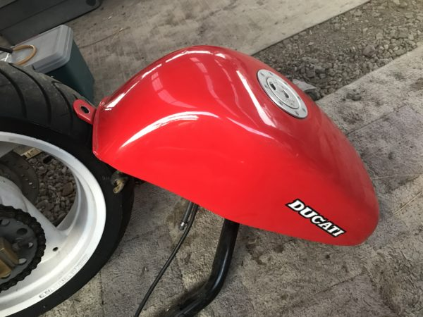 DUCATI900SS 燃料タンク外し