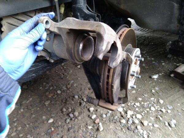 ステップワゴン RG DIY フロントブレーキパッド交換