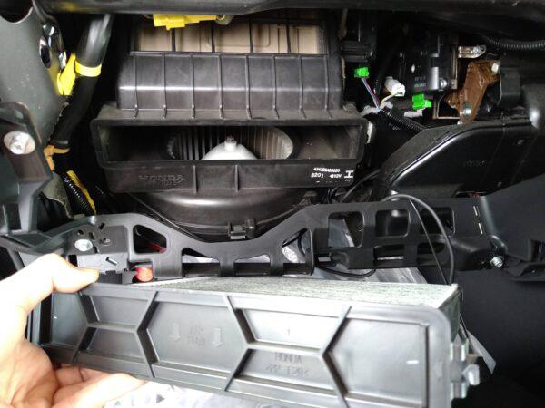 ステップワゴン RG DIY エバポレーター洗浄